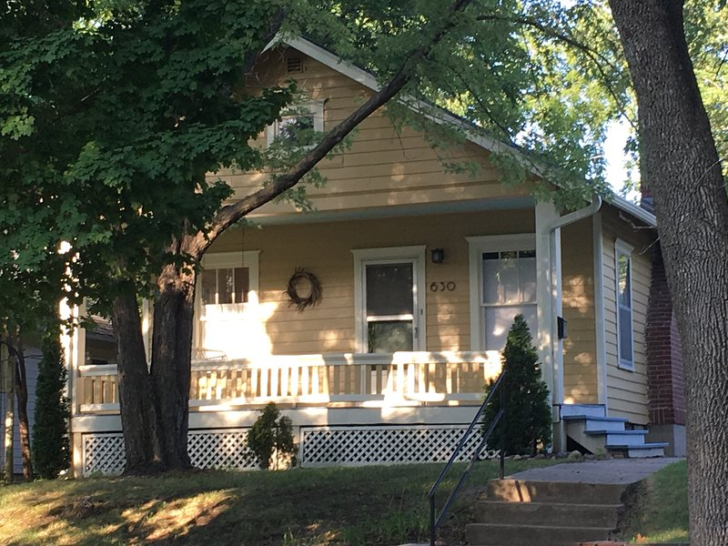 Pristine Old West Lawrence Bungalow 2 Bedrooms Sunroom Front Porch Back Deck Updated 2020 Tripadvisor Lawrence Vacation Rental