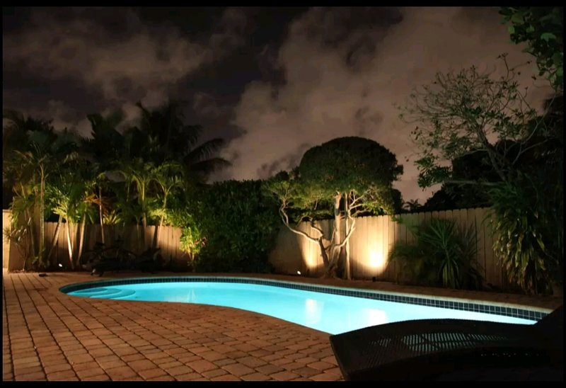 Blue Room -  private room -Heart of Wilton Manors. Heated Pool, holiday rental in Wilton Manors