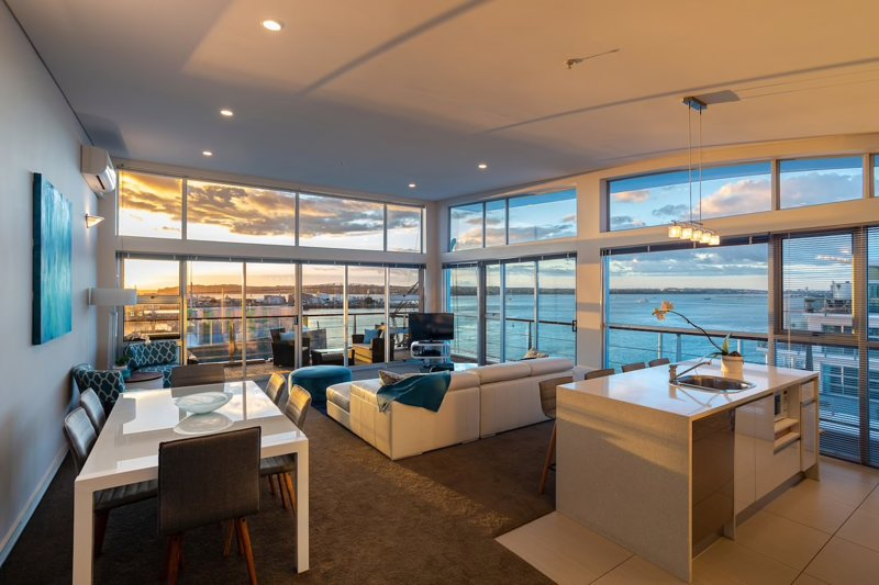 Princes Wharf's truly stunning North-West Loft, holiday rental in Auckland Central