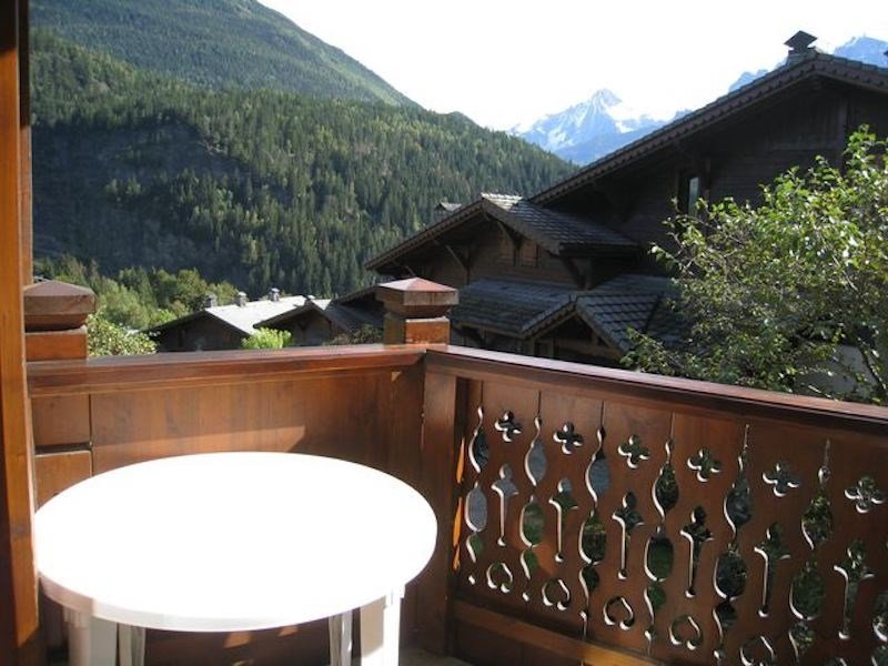 Relax on your balcony and breathe the fresh mountain air!