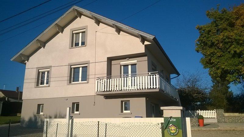 Amazing house with garden & Wifi, location de vacances à Geruge
