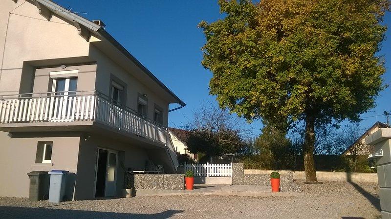Amazing house with garden & terrace, location de vacances à Geruge