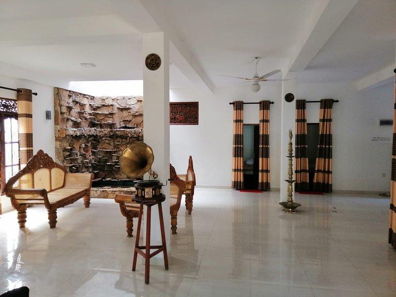sinhagiri hotel & restaurant, vacation rental in Rekawa