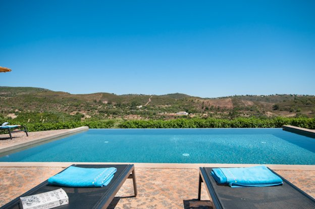 Vale Fuzeiros Villa Sleeps 16 with Pool and WiFi - 5718182, vacation rental in Cumeada