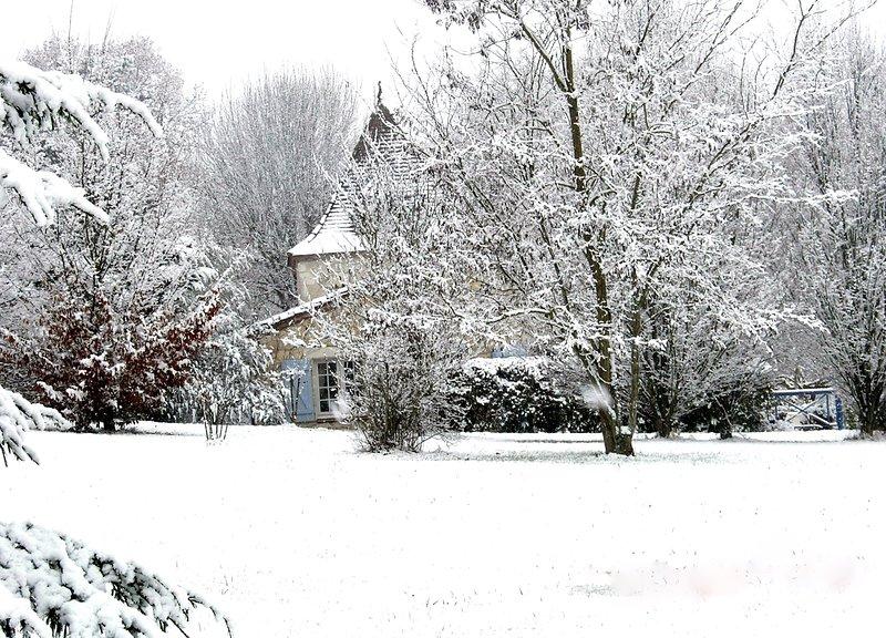Chambre d hotes Le Colombier, aluguéis de temporada em Sainte-Colombe-de-Villeneuve