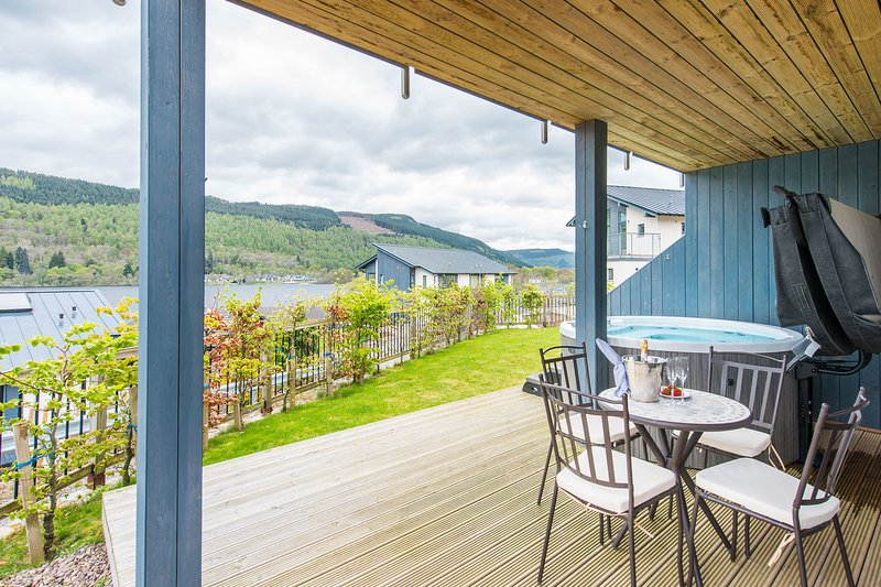 Taymouth Marina - 6 Lawers View, holiday rental in Fearnan