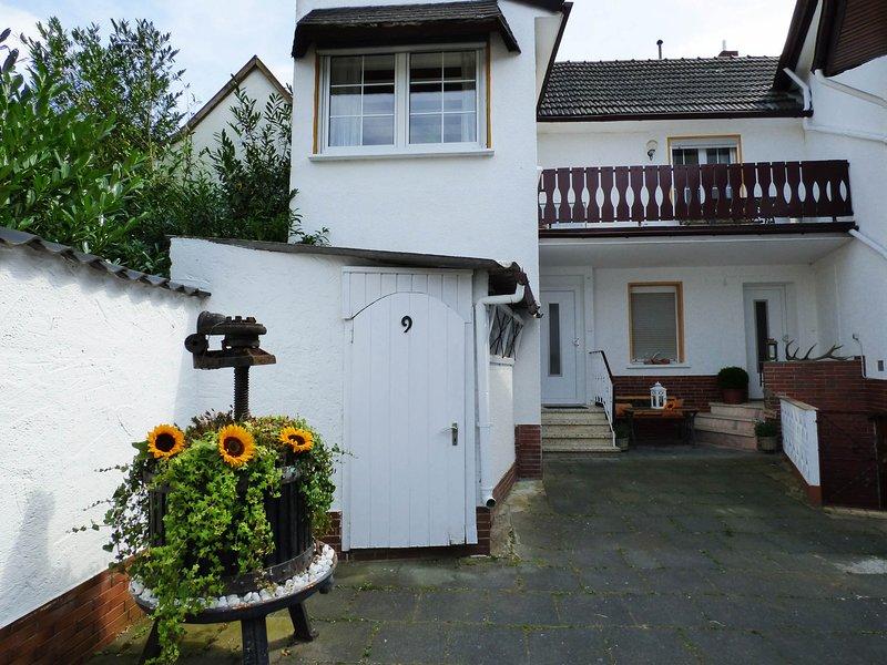 Relaxen im alten Winzerhaus Ferienhaus, holiday rental in Rech