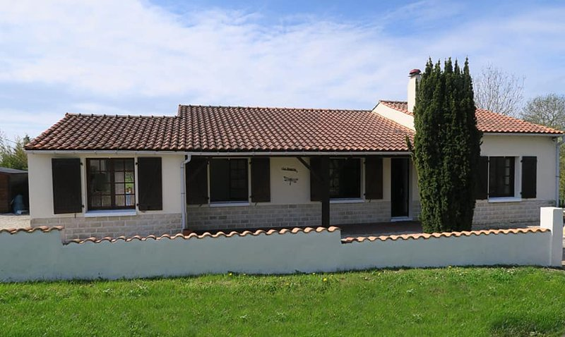 La Marette Holiday Villas, holiday rental in Champagne-les-Marais