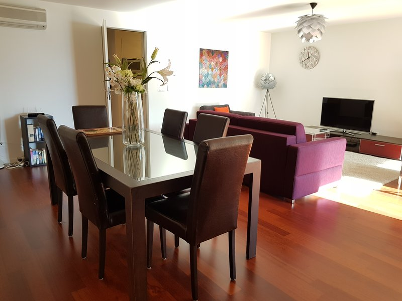 247 Concierge - Montreux Lake View Apartments and Spa 6, holiday rental in Montreux
