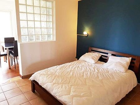 Nice studio with shared pool & Wifi, holiday rental in Sainte-Suzanne