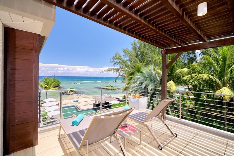 Bon Azur 1 Bedroom Penthouse by Simply-Mauritius, holiday rental in Trou aux Biches