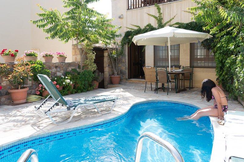 VILLA ARIADNI PRIVATE HOUSE with private pool, vakantiewoning in Kolymbari