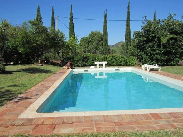 Canhestros Villa Sleeps 6 with Pool Air Con and WiFi - 5718195, holiday rental in Sao Marcos da Serra