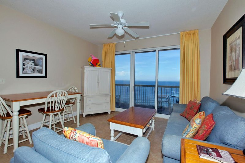 Sala de estar con vista al golfo