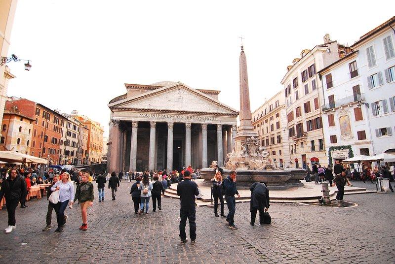 piazza del pantheon en roma