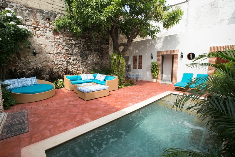 15 GUESTS HOUSE OLD TOWN IN CARTAGENA, vacation rental in Cartagena