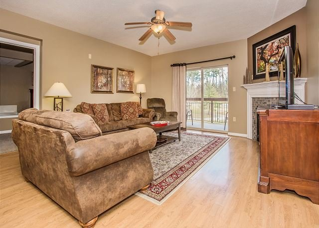 Cedar Lodge Condo 101 Vacation Rental in Pigeon Forge Tennessee
