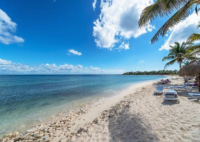 Ground Floor Beachfront 2 BR 2 BA condo with Wifi and AC, vacation rental in Akumal