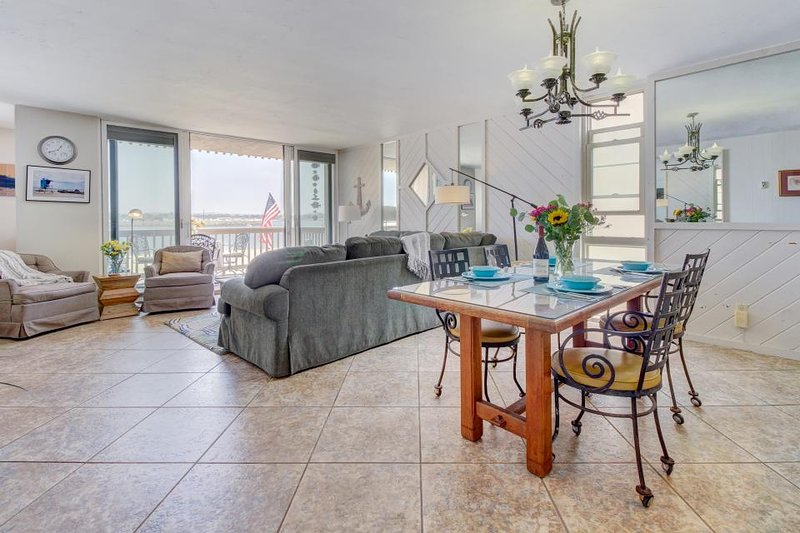 Mission Bay Waterfront Condo W Access To The Beach