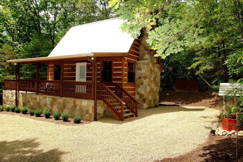 Mountain Laurel - 1 Bedrooms, 1 Baths, Sleeps 4, holiday rental in Hartford