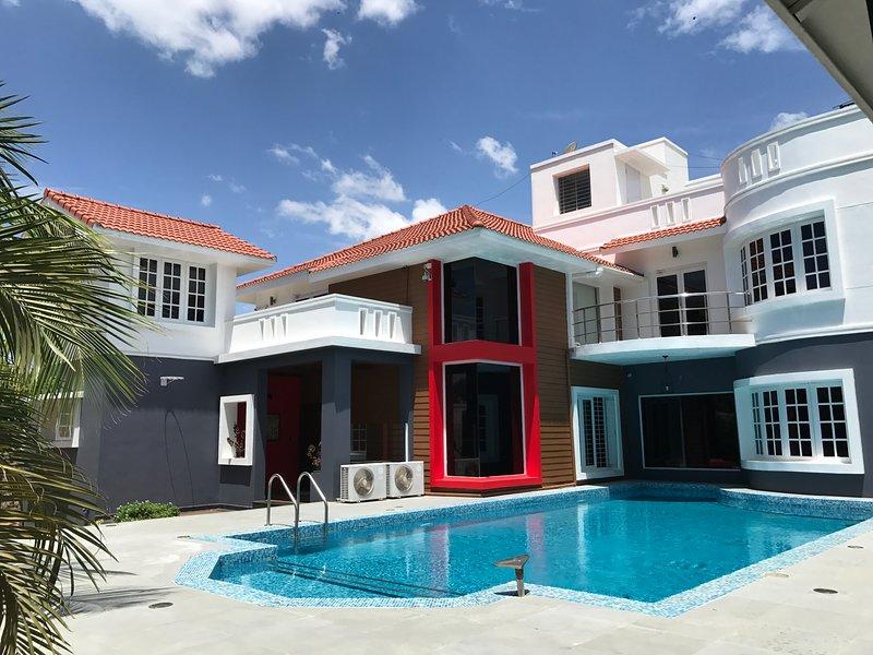 Arcadio House ECR by Vista Rooms, vacation rental in Muttukadu