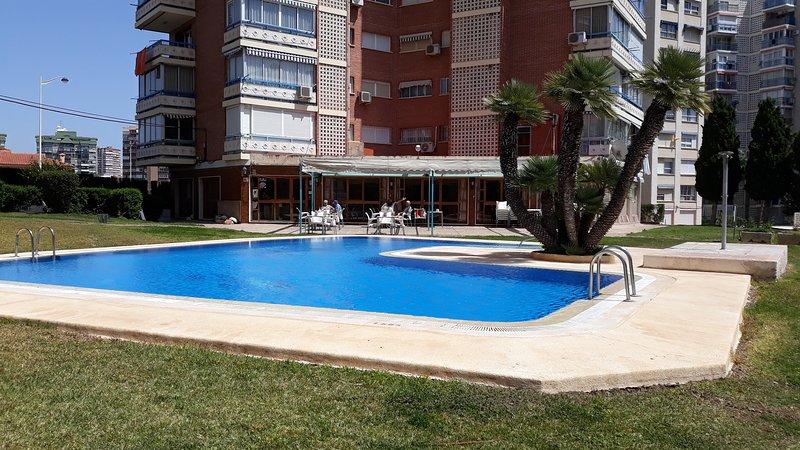 Pool 2 & Restaurant