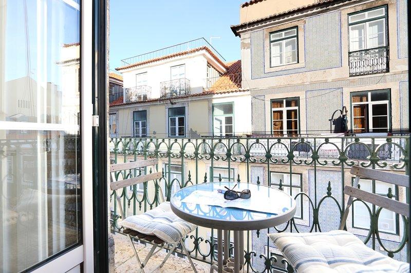 Un bellissimo appartamento nel centro storico, con un balcone che si affaccia sul centro
