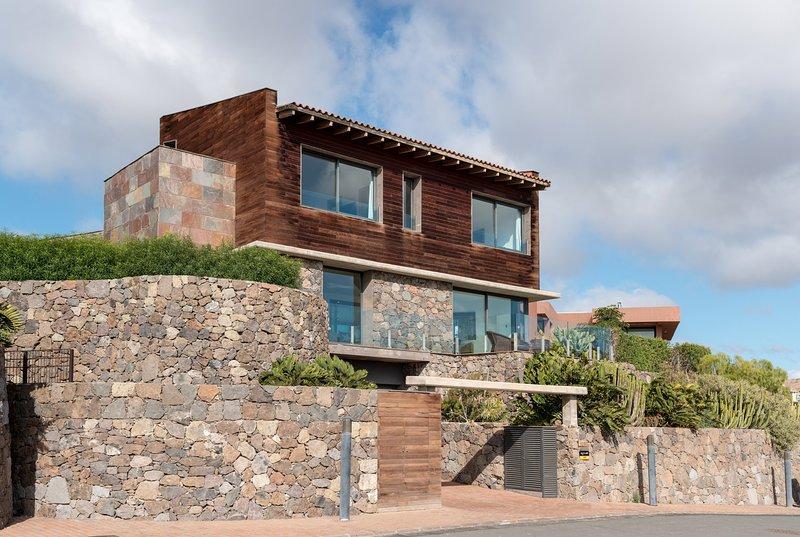 Salobre Villas Deluxe XL, vacation rental in Montana La Data