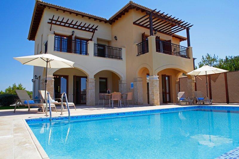 Aphrodite Hills 2 Bedroom Villa - Myrofora, holiday rental in Kouklia