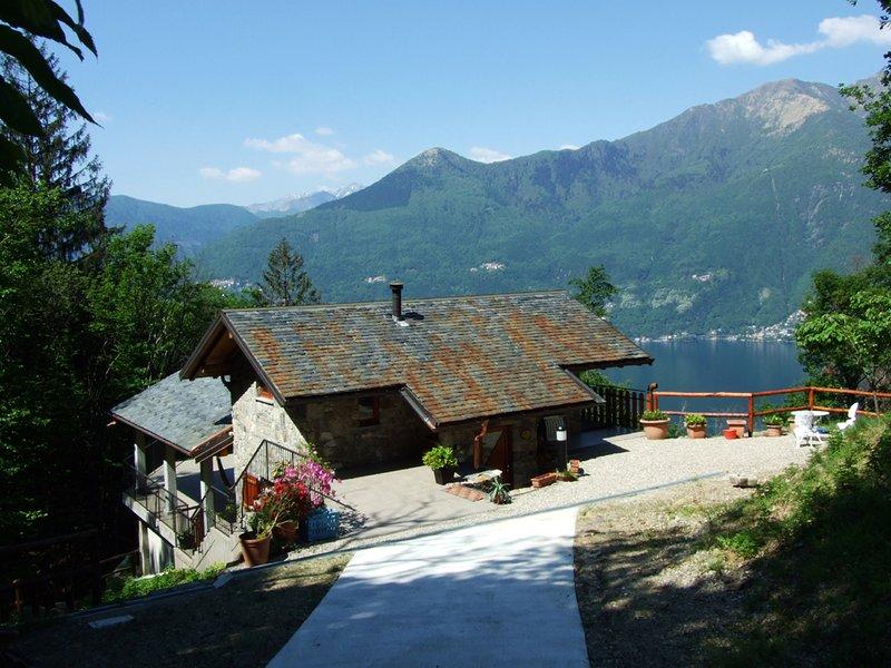 Romantisch und familiäres Stein - Ferienhaus im Naturschutzgebiet., vacation rental in Sant'Abbondio