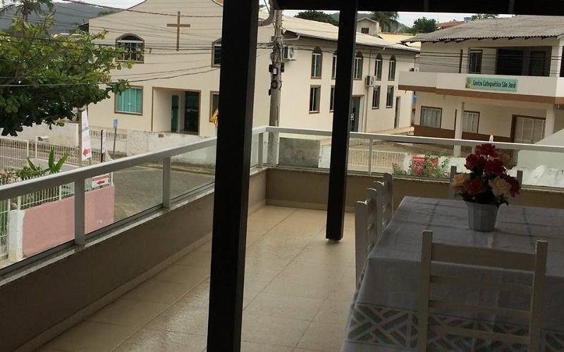 Imóvel a 70 metros da Praia de Zimbros, casa vacanza a Canelinha