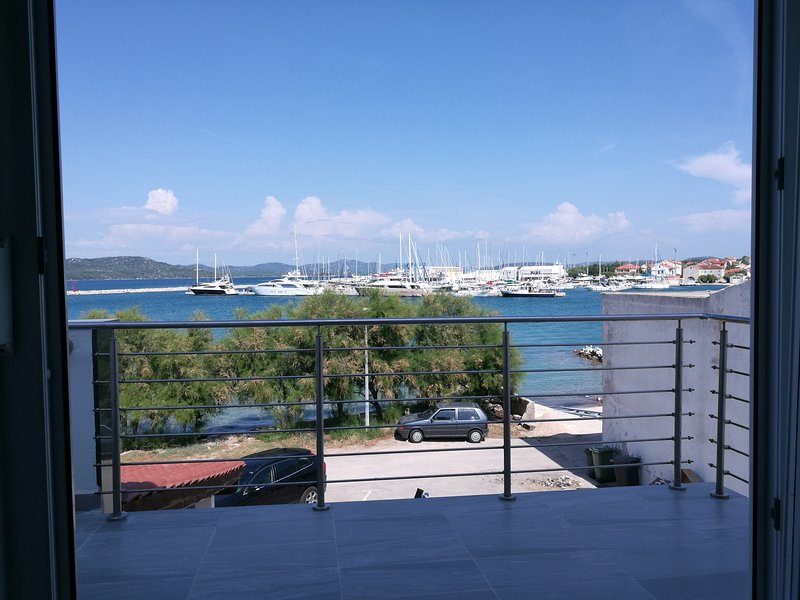 Two bedroom apartment with a terrace and a seaview, vacation rental in Betina