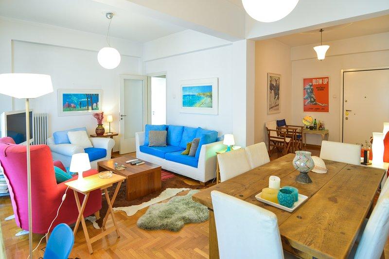 Athens urbane apart close to the beach and port, holiday rental in Paleo Faliro