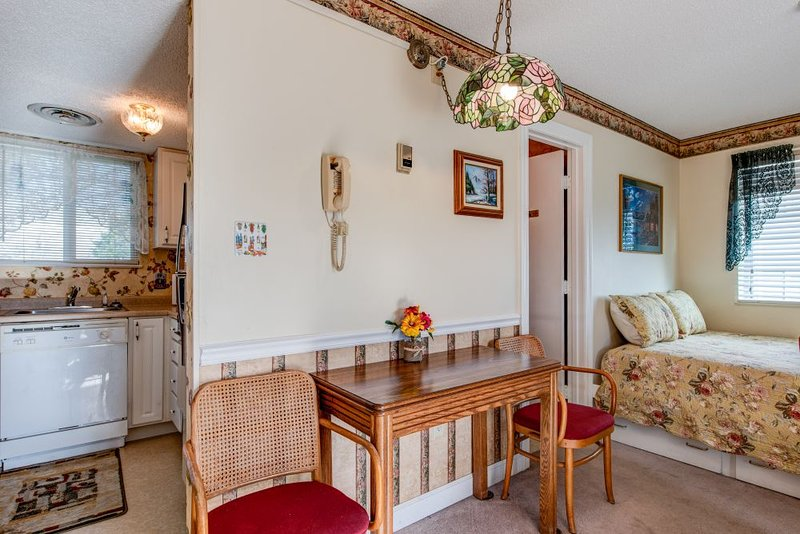 Living area/kitchenette