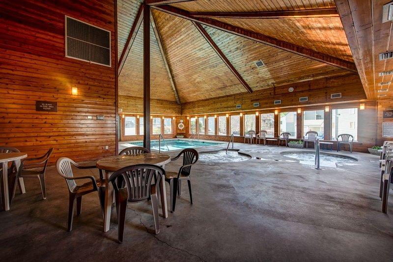 Pool/sitting area
