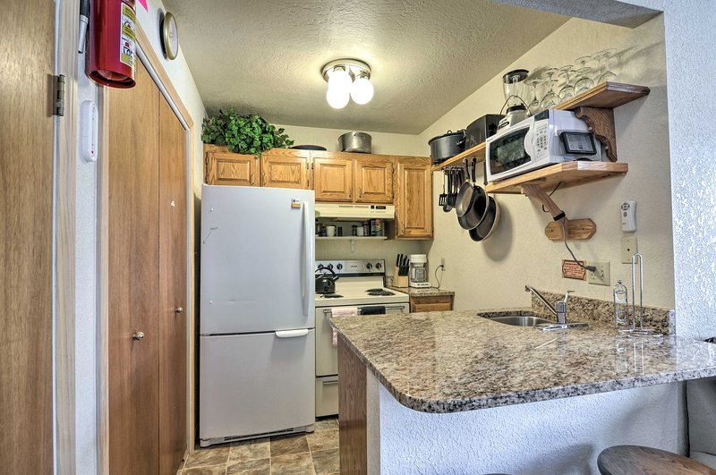 Your Eagle Point vacation awaits at this 2-bedroom, 2-bathroom condo.