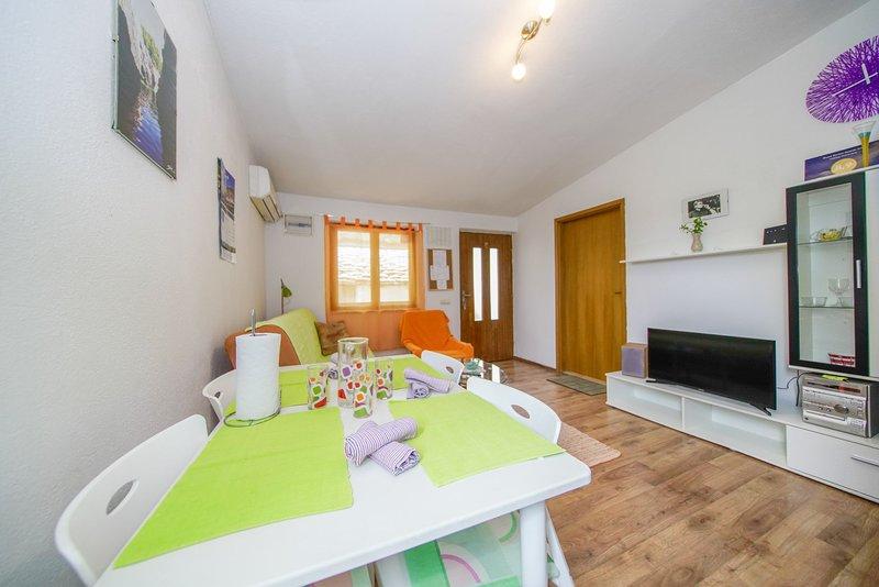 entire home/apt 'Jere', Postira, location de vacances à Postira