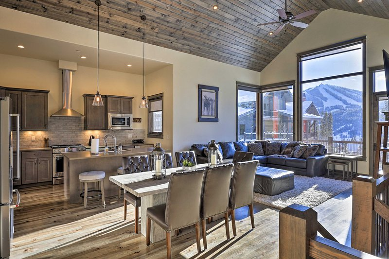 Up to 10 outdoor enthusiasts will enjoy this rustic-yet-polished interior.