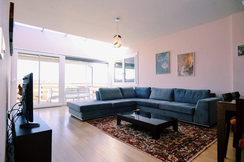 Long Hill Residence Apartment, location de vacances à Daias-Barabas