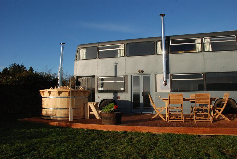 The Bus Stop - Luxury Double Decker, vacation rental in Oxton