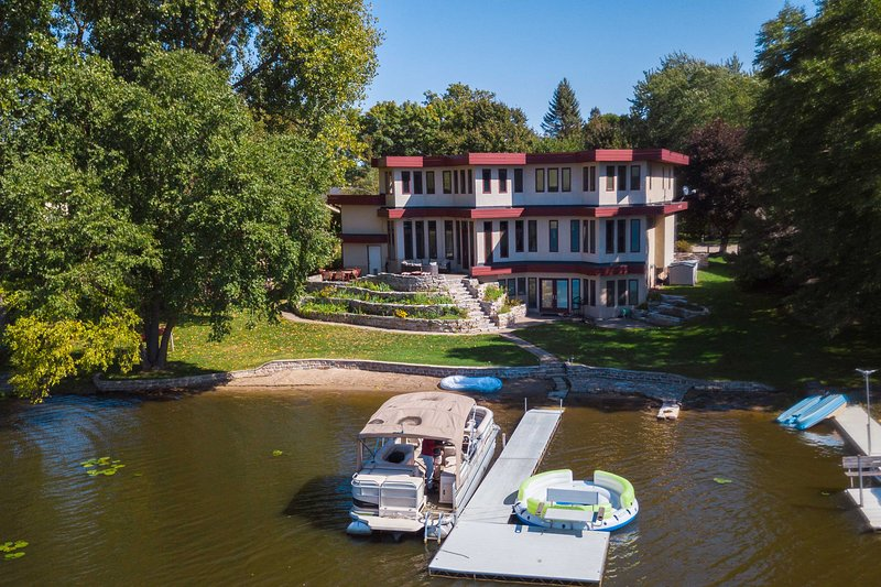 Waterfront Long Lake Home: All Seasons Destination, aluguéis de temporada em Roseville