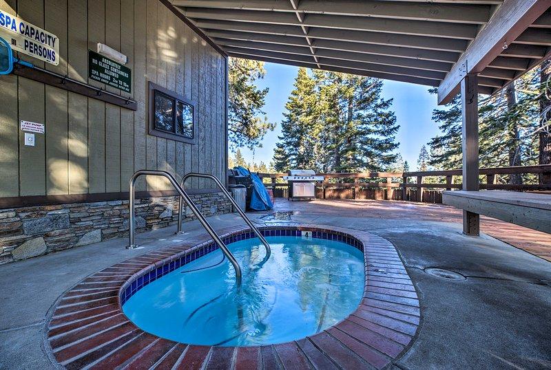 Met toegang tot eersteklas gemeenschappelijke voorzieningen is dit huis in Mammoth Lakes een 5-sterrenhotel.