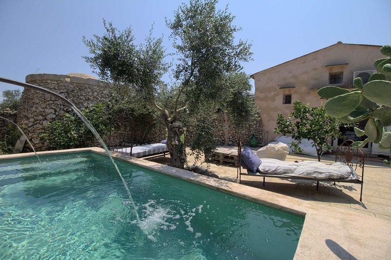 Prestige Pool Country House in Alimini Lakes, holiday rental in Otranto