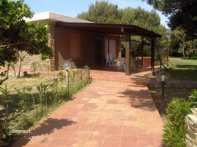 QUADRI GABBIANO: comodo quadrilocale zona Roccaruja / Gabbiano, 8 persone, holiday rental in Stintino