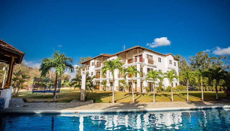 Golf Condo F1-B2: Nice view and access to the largest pool in Hacienda Iguana, vacation rental in Popoyo