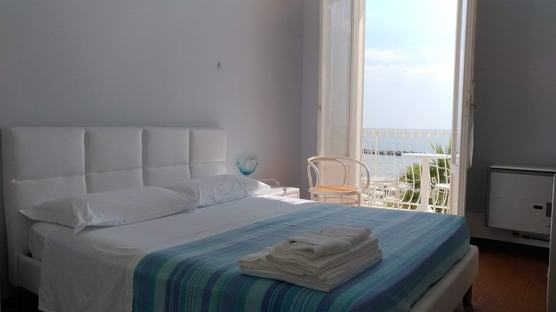 Double room facing the sea with balcony
