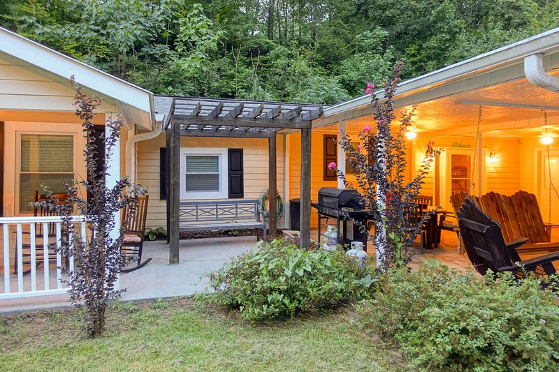 Pigeon Forge Cabin w/ Private Pool - by Dollywood! - UPDATED
