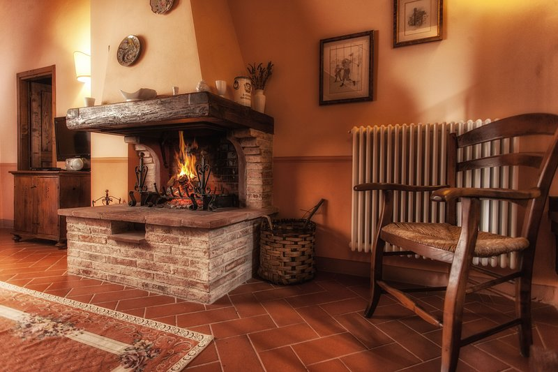 Holiday home in Antique Hamlet quoted in Dantes poem inferno, holiday rental in La Fornace