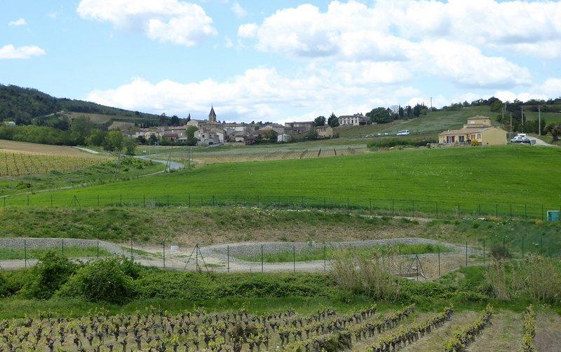 Beautiful apt with mountain view, location de vacances à La Barthe-de-Neste