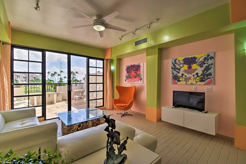 Colorful 3-Story Palmas del Mar Condo w/Ocean View, vacation rental in Palmas Del Mar